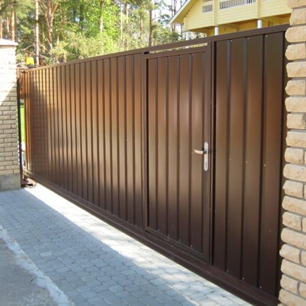 Откатные ворота для дома