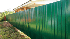 Забор из профнастила с полимерным покрытием